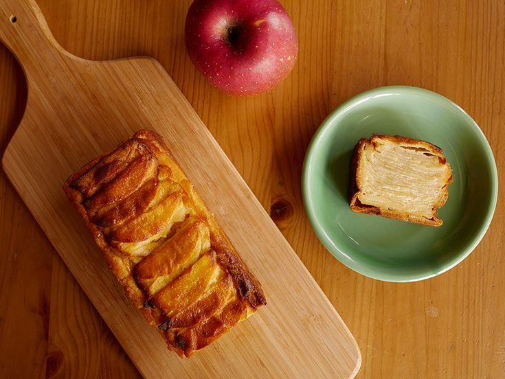 たっぷりの薄切りりんごに、卵と牛乳の味わいが優しくて、もちもちした食感が美味しいケーキ「ガトー・インビジブル」の作り方