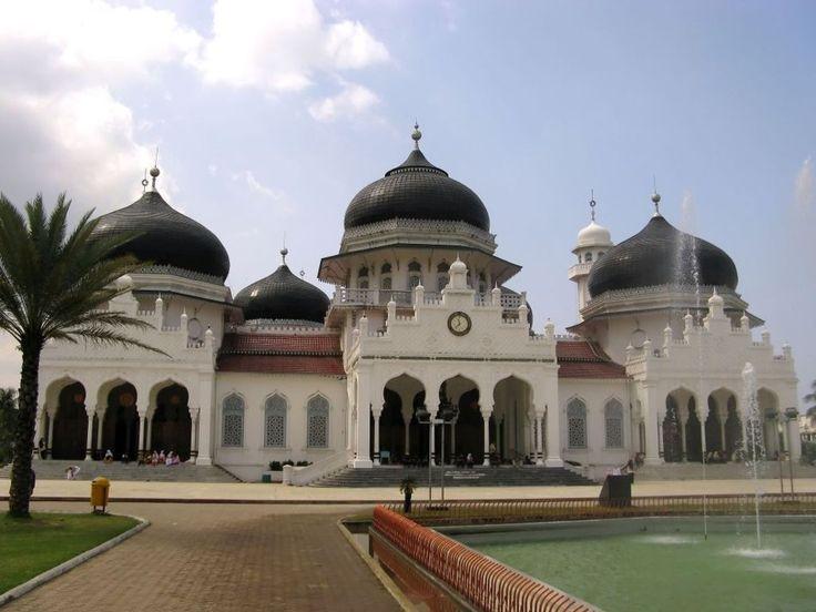 Baiturrahman Grand Mosque,…