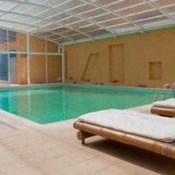 O Montado Hotel & Golf Resort situa-se na Costa Azul, mais precisamente, em Algeruz (Palmela), próximo do Castelo de Palmela, rodeado por vinhedos que dão origem à produção dos afamados vinhos da região de Palmela/Setúbal.Este complexo turístico é o ...