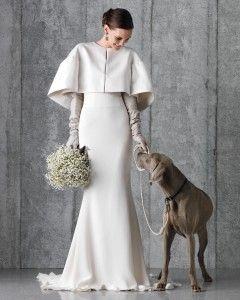Lassen Sie sich von Ihrem allerbesten Freund den Gang entlang führen.   – wedding dress