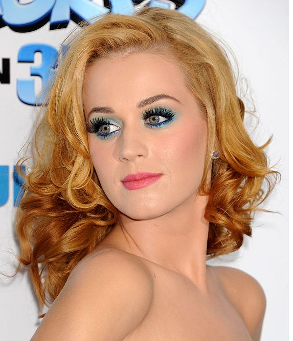 Katy Perry With Strawberry Blond Hair Amp Green Blue Eye