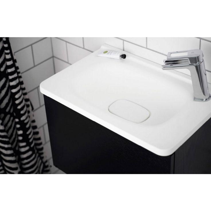Flow är designad för Vedum av Jesper Ståhl och levereras monterad. Badrumsserien Flow är en uttrycksfull serie med rena linjer och…