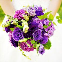 Bruidsboeket in blauw paars tinten