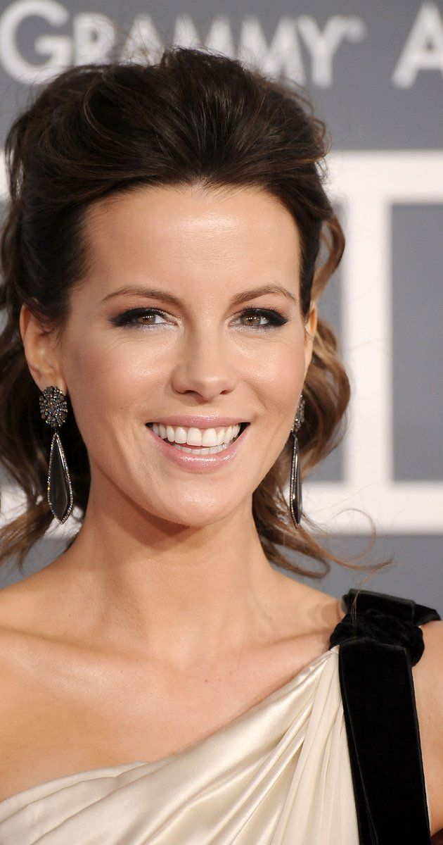 Kate Beckinsale, Actress: Underworld. Kate Beckinsale was born on 26 July 1973 in England, and has resided in London for most of her life. Her mother is Judy Loe, who has appeared in a number of British dramas and sitcoms and continues to work as an actress, predominantly in British television productions. Her father was Richard Beckinsale, born in Nottingham, England. He starred in a number of popular British television comedies ...