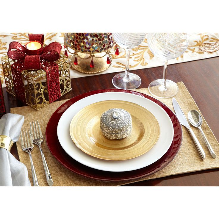 Holiday Place Settings: 37 Best Images About Gold Tablescapes On Pinterest