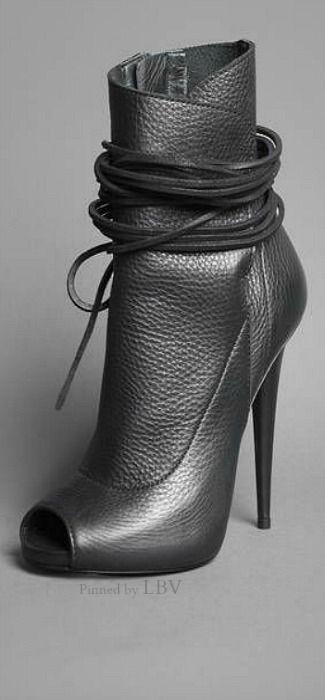 Giuseppe Zanotti ♥✤ Leather Bootie