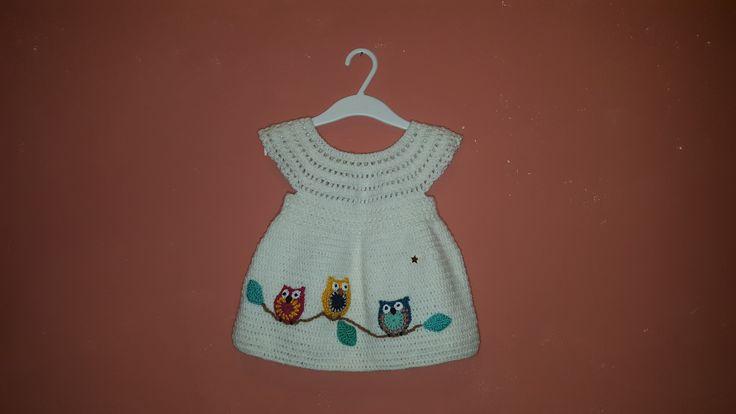Robe bébé fille 6 - 9 mois, blanche, hibous chouettes, au crochet : Mode Bébé par les-boucles