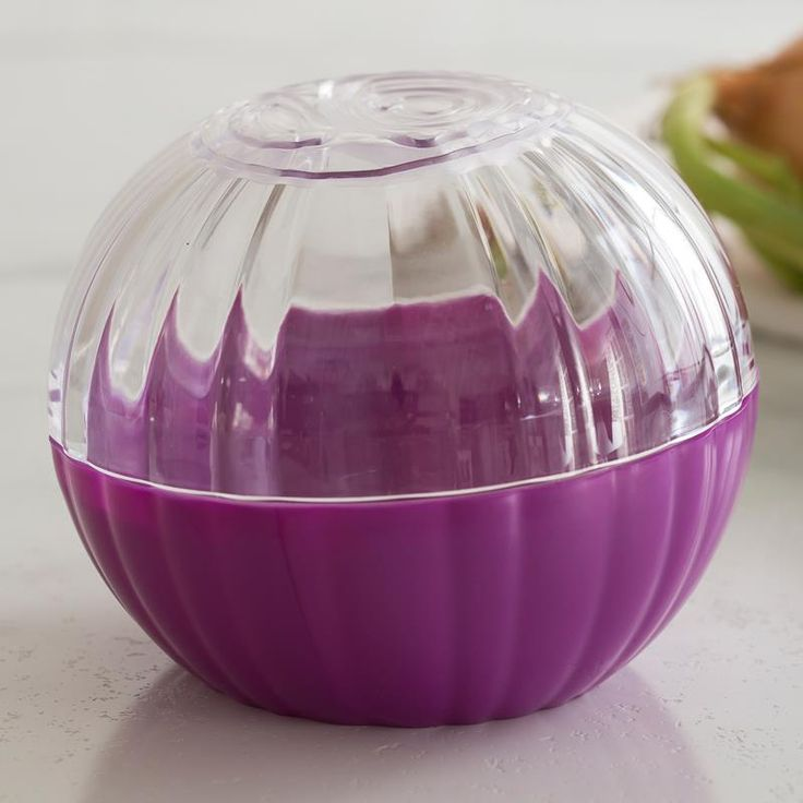 Save your onion and contain odours with a fun and colourful Hutzler Pro Onion Food Saver. This plastic, onion shaped container attaches with a secure twist lock and is dishwasher safe.