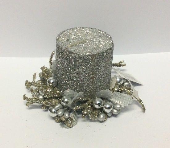 Ghirlanda per candela, segnaposto. Color argento, glitter e perline silver. Diam.esterno cm.6,5 diam.int.4 cm. anche per candela tealight. Disponibile da C&C Creations Store