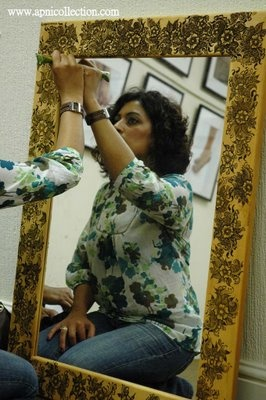Mehndi on Mirror's Border