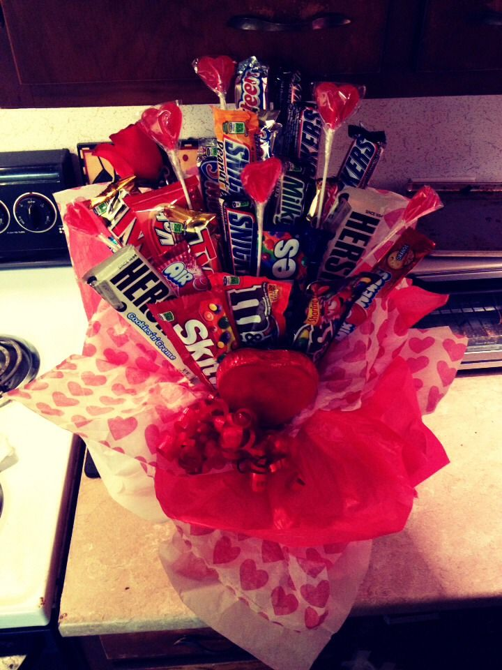 Awesome Valentines Day Gift! Candy Bouquet