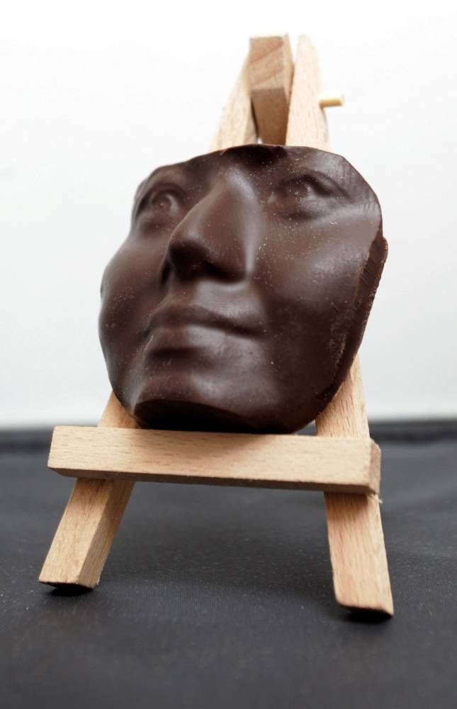 Eat your own face with 3D chocolate printer