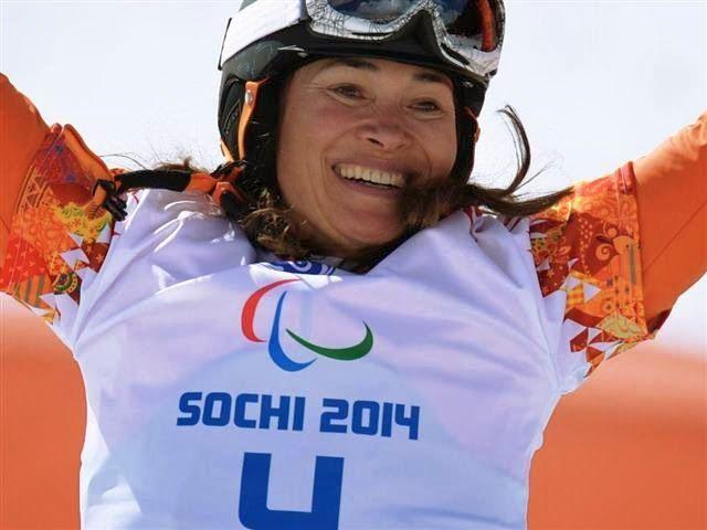 Bibian Mentel wint goud op de snowboardcross op de Paralympische Spelen 2014 in Sotsji