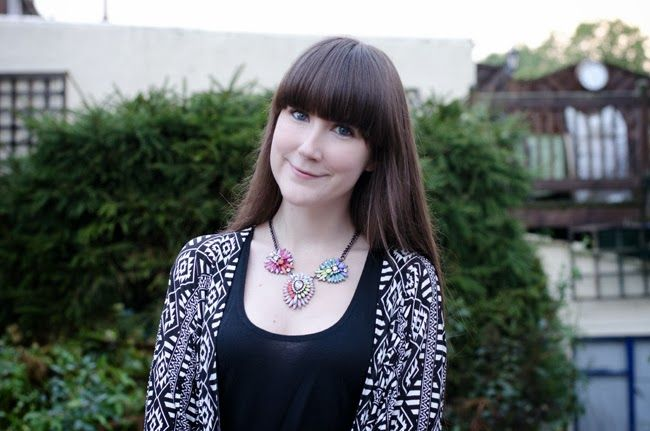 Tara from The Style Rawr in the Triple Threat Necklace / www.amidnightwonderland.com/product/triple-threat-necklace