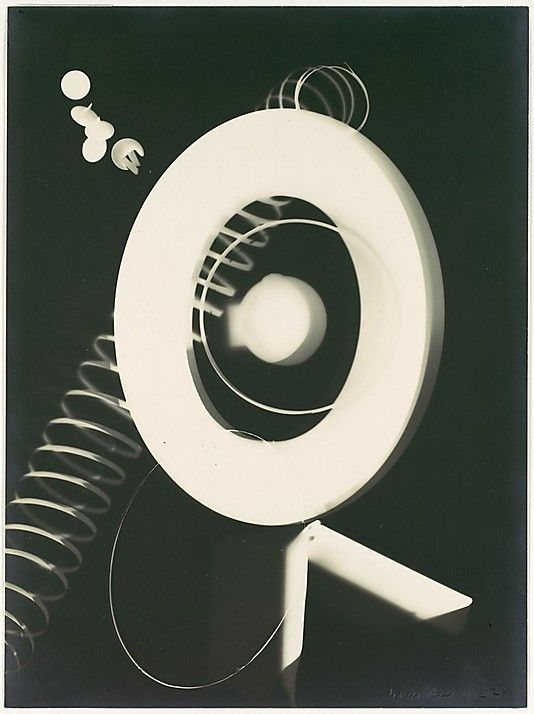 Man Ray (Emmanuel Radnitzky) - Untitled Rayograph (1922) | The Metropolitan Museum of Art (New York) Surrealisme