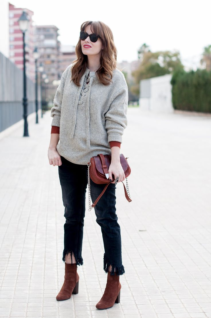 LACE UP KNIT A Cara Descubierta, looks, On top - Macarena Gea