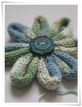 Loom Knit - How to stitch up an i-cord flower (would work with any number of cord materials including shoe laces, ribbon yarn, rope, etc.). From Cards-by-Paula