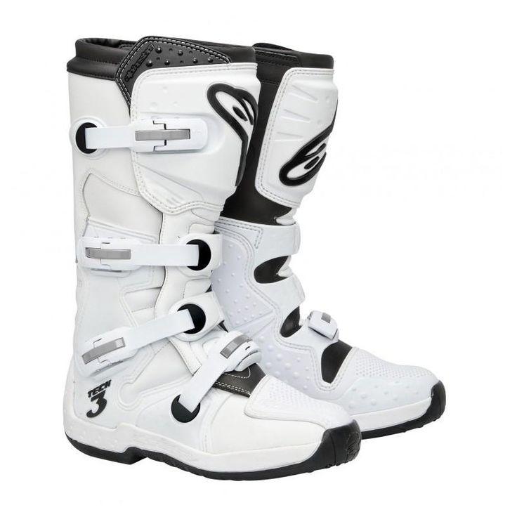 """Bota de moto Alpinestars Tech-3 2013, ideal para cross/enduro/quad . Contorno espinilla con modulos de plastico inyectado para una mayor protección a los impactos y la abrasión. Refuerzos de placas de piel en la parte trasera de la bota. Placas de plastico inyectado medio/bajo en talón y dedo gordo,  Patente """"Ankle-brace"""" con panel de absorción de golpes en el tobillo.  El interior de la bota esta diseñado para obtener un excelente agarre y confort,  Zona del empeine altamente flexible."""