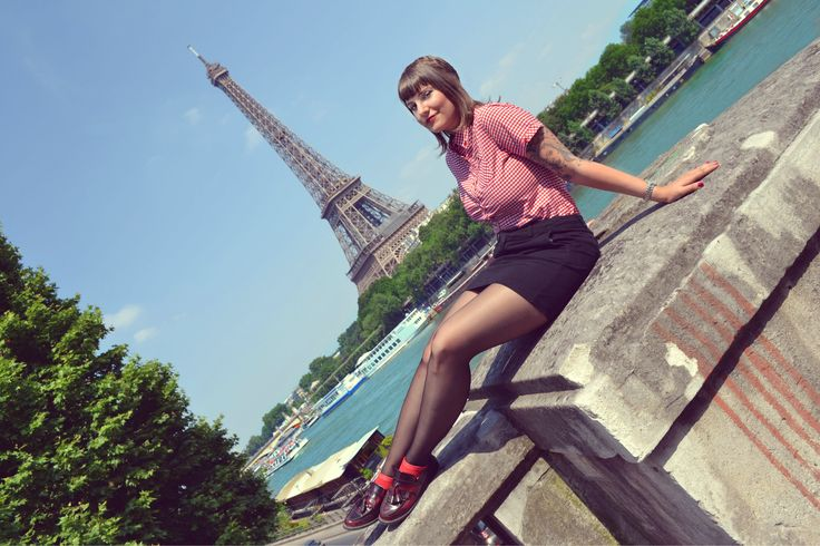 Skingirl paris (tour eiffel)