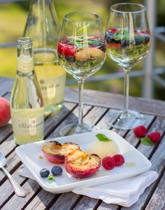 Lasst uns den Sommer feiern! Gegrillter Pfirsich