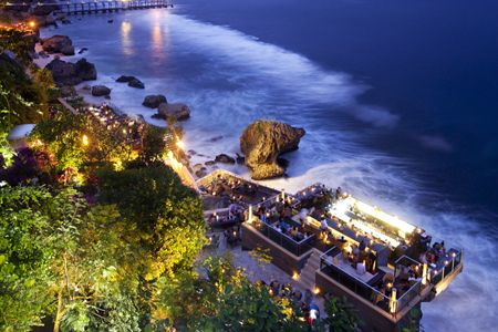 Offering a stunning location at the base of the sea cliffs at the Ayana resort, the Rock Bar in Bali