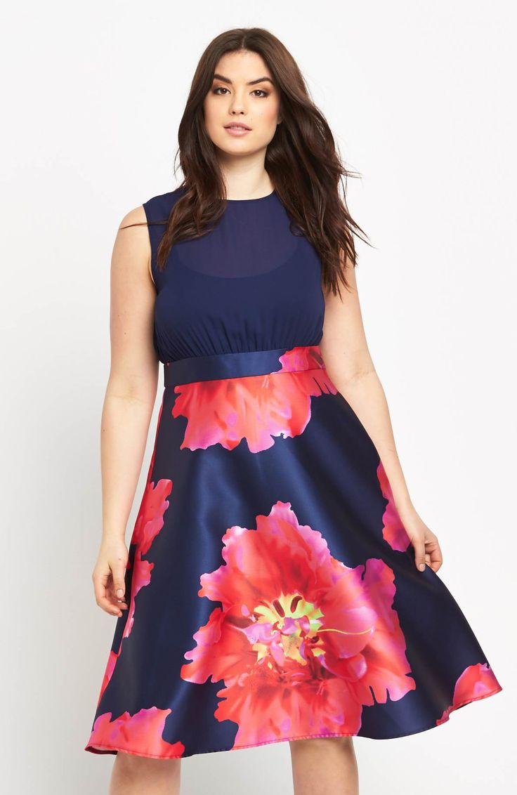 Śliczna sukienka marki AX Paris Curve, 359 zł na http://www.halens.pl/moda-damska-na-gore-5750/sukienka-576525?imageId=398526&variantId=576525-0027