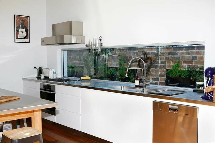 Rammed Earth Coogee House - kitchen splashback to garden