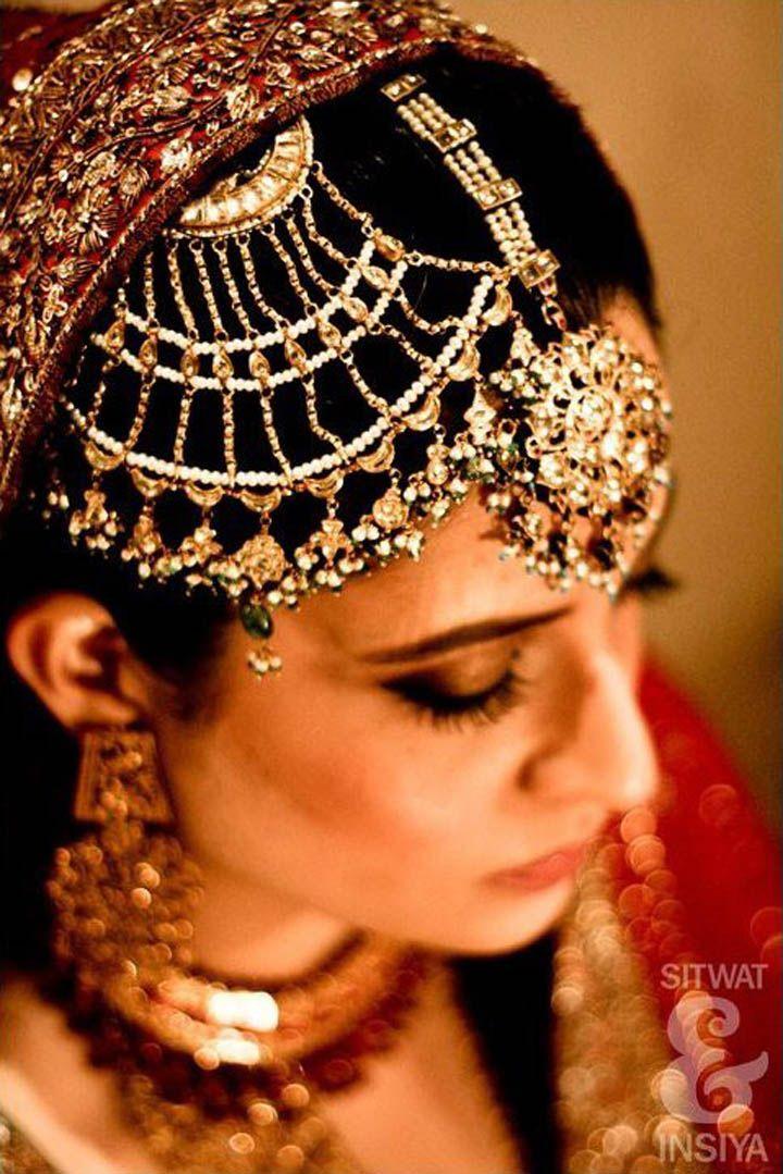 #Desi #IndianWedding #Jewelry: Jhoomar & Mang Tikka Details :  Photography by Sitwat & Insiya