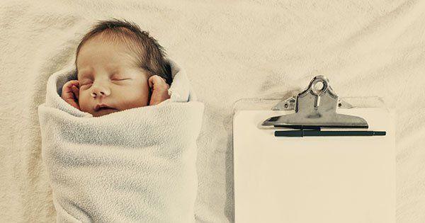 La sortie de la maternité, c'est pour demain. Mais à l'idée de vous retrouver toute seule avec votre petit ange, vous commencez à vous inquiéter. Voici quelques questions à poser pour un retour à la maison en douceur et sans stress !