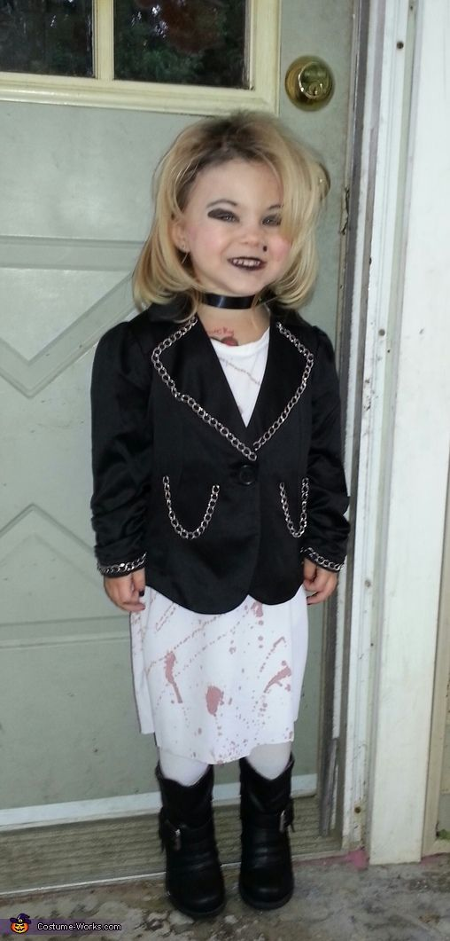 Brianna: Isabella and Oliver who are brother and sister were dressed up like Chuckie and his bride. It was very simple to add blood stains to their white dress and overalls....