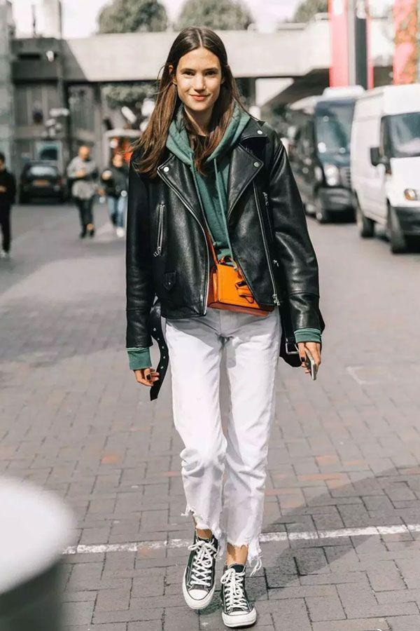 Deu match: as melhores tendências para usar com jeans branco