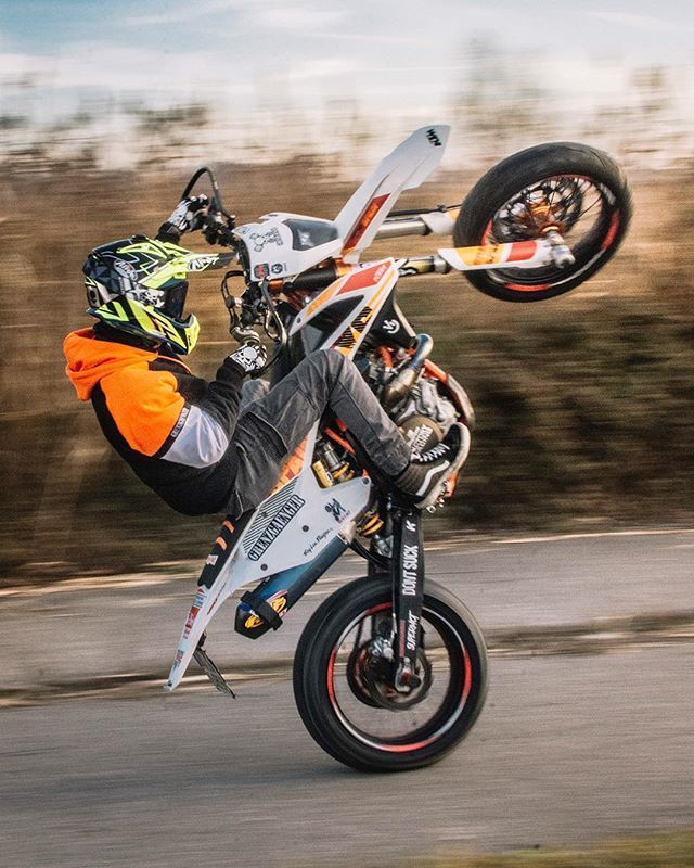 Grenzgaenger Wheelie Wheelies Ride Supermoto Stunt Motorcycle Motorbike Bike Onewheel Wheel Orange Desert O Supermoto Enduro Motocross Dirt Bikes