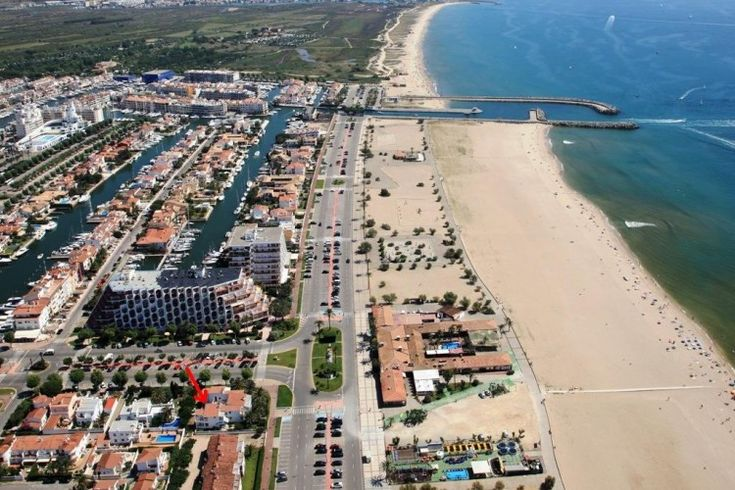 Empuriabrava beach resort, Catalonia, Spain -  holiday villas with moorings, great for boating, surfing, sky diving, kite surging, family fun
