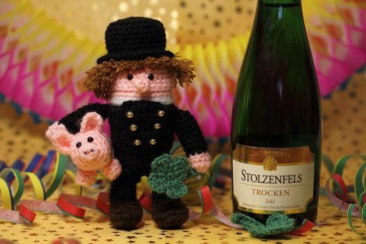 "Sweepies - Häkelanleitung Ü-Schornsteinfeger ""Schorsch"""