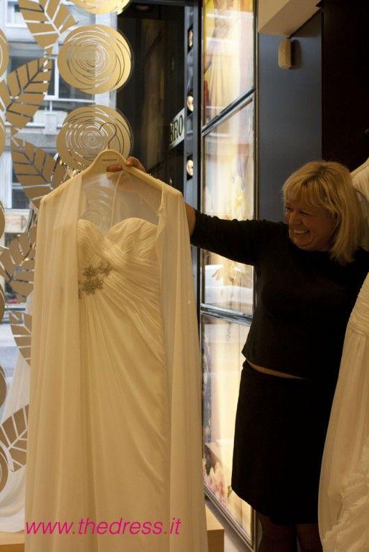 Ursula Bertoli - director of Milan store - shows me 2013 Pronovias collection http://www.thedress.it/3396/esclusiva-collezione-pronovias-2013-gli-abiti-dal-vivo-nel-flagship-store-di-milano-e-lintervista-alla-direttrice/