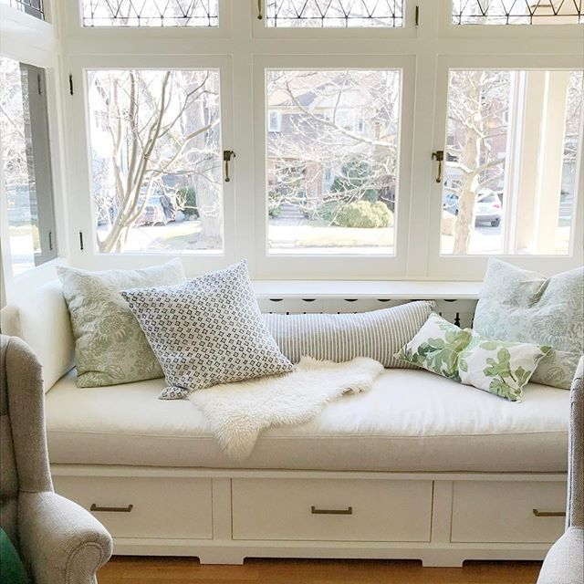 If you can carve out a space in your home for a window seat I highly recommend it. Make sure it's deep enough to be more than just a bench for maximum comfort. I designed this one to fit in this alcove and had my carpenter build it in such a way that it can still be pulled out in case the radiator behind it needs servicing. #favouritespot #socomfy #windowseat #torontodesign #interiordesign  #glimpseofmyhome #housebeautiful #sodomino #bluelovesgreen