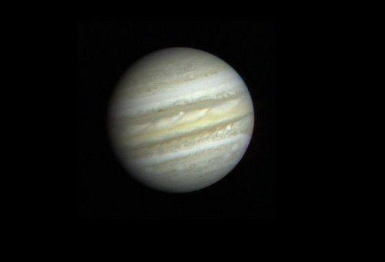 Imagen de Júpiter tomada por la nave Voyager 1 de NASA. Crédito: NASA. Júpiter no sólo es el mayor planeta del Sistema Solar sino que es también el más viejo, según investigadores de la Universidad de Münster, que han determinado por primera vez la edad precisa de Júpiter, conocida hasta ahora de forma solo aproximada.