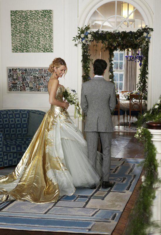 Serena and Dan tie the knot in the Gossip Girl series finale.