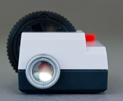 Projecteo: A tiny projector for your Instagram Photos