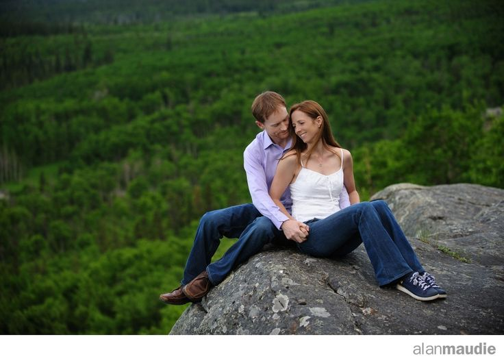 Engagement session in the Canadian Rockies, dusk, love, casual outdoors
