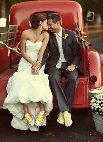 Converse wedding: Photo Ideas, Old Trucks, Wedding Photo, Yellow Shoes, Cowboys Boots, Yellow Converse, Dre, My Wedding, Conver Shoes