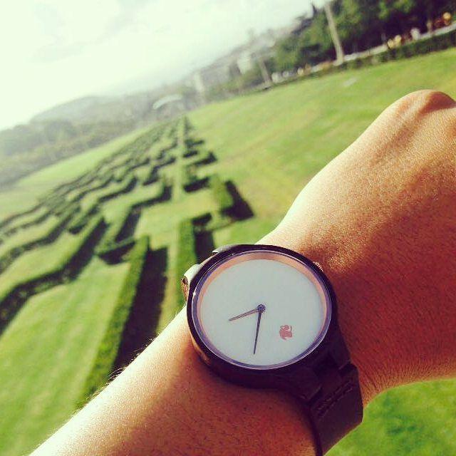 Desde el Parque Eduardo VII en Lisboa con un #reloj Castor SÁNDALO  Foto gentileza de Yerka Fabianovich  Ven por el tuyo en https://www.castor-watches.com  envío gratis a todo #chile Whatsapp: 56994033705 #castorwatches #castorsandalo