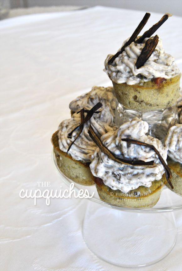 Le Cupquiches! Un po' cupcakes, un po' quiche. Ottimi come antipasto o per un brunch. I vostri amici ve ne chiederanno sempre di più!! La ricetta la trovate su: http://noodloves.it/le-cupquiches/