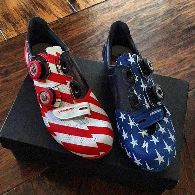 Stars and strips Spec kicks for @kateplusfate 'Merica f**k yeah!  Source @richarddamant • • • #velokicks I #cyclingshoes I #newshoesday I #cycling | #specialized I #iamspecialized I #sworks6 I #sworks l #sworksshoes