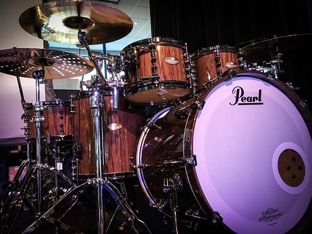 "Gear from the Pearl cruice! ⚓️ ""Masterworks Urban""  #pearldrums #pearlcruice #drums #news #instadrums #drumsdrumsdrums #drummer #snaredrum #bassdrum #custom #masterworks #trommer #trumset #rummut #drumstagram #cruice"