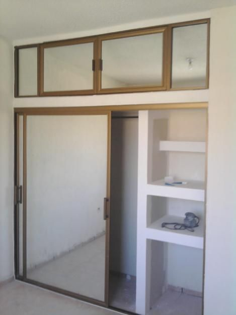Closet drywall imagui for Modelos de closet para habitaciones en cemento