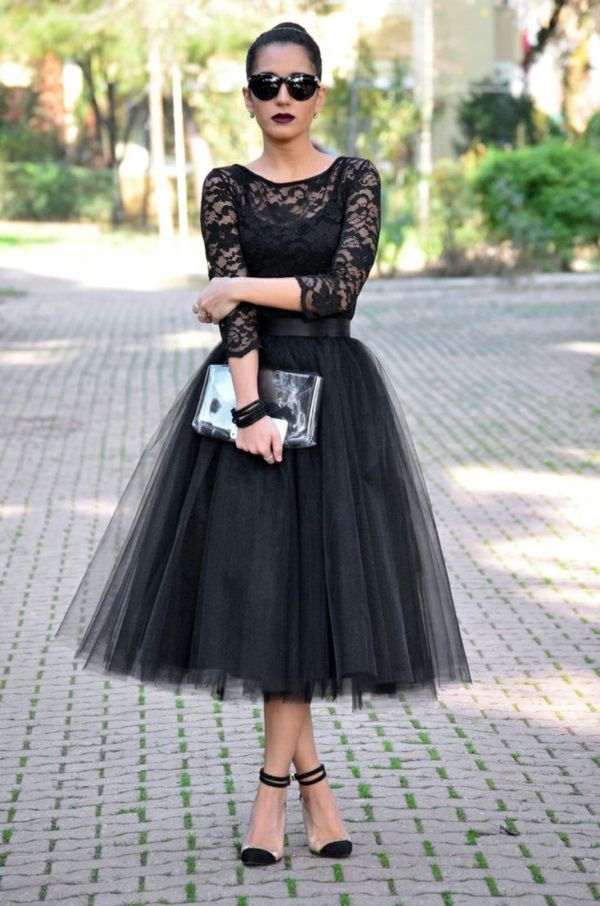 9021d0a6cd4 Faux Tulle Skirt   Lace. Not sure about the tulle trend