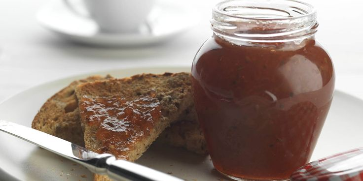 Rosehips are the star of Geoffrey Smeddle's delicious jam recipe. Rosehips add a unique flavour to homemade jam. This recipe is great to make for a gift.