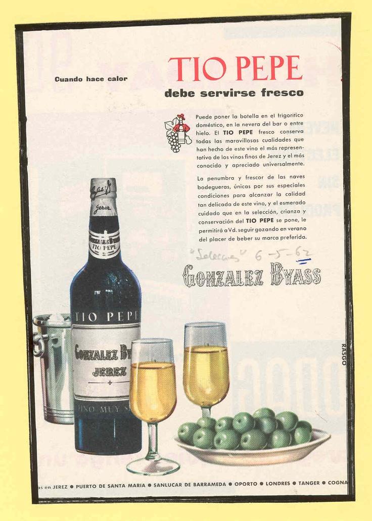 1962: Tio Pepe y aceitunas. / 1962: Tio Pepe and olives.
