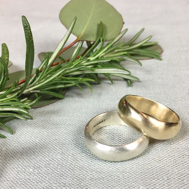 Matching chunky Horatio wedding rings by @WyckoffSmith. Available in all colours of gold, platinum, palladium and silver.